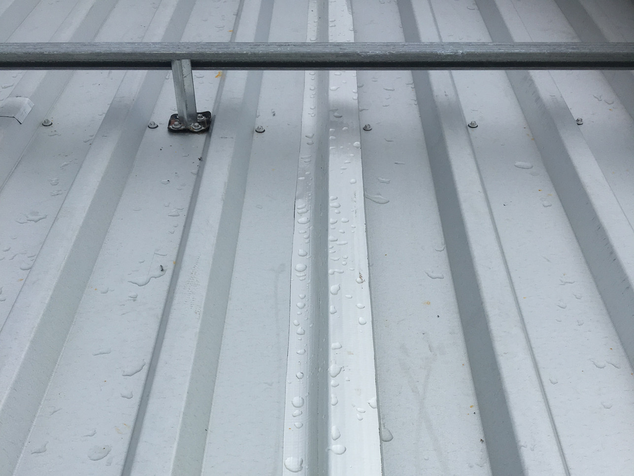 RL liner deck with vapour control tape