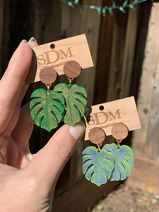 Monstera and wood studs