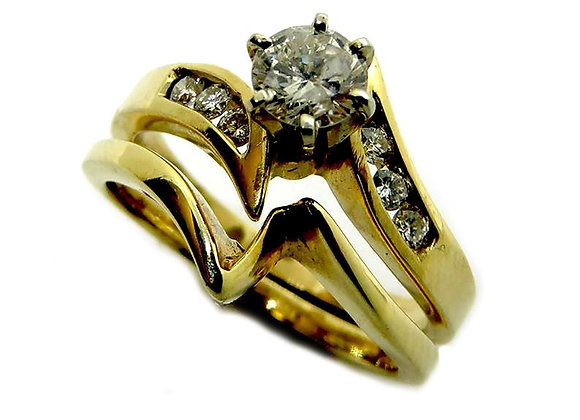 wedding ring in 14k yellow gold two piece set