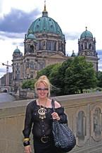 Womens ADventure Travels-BErlin-fashion-