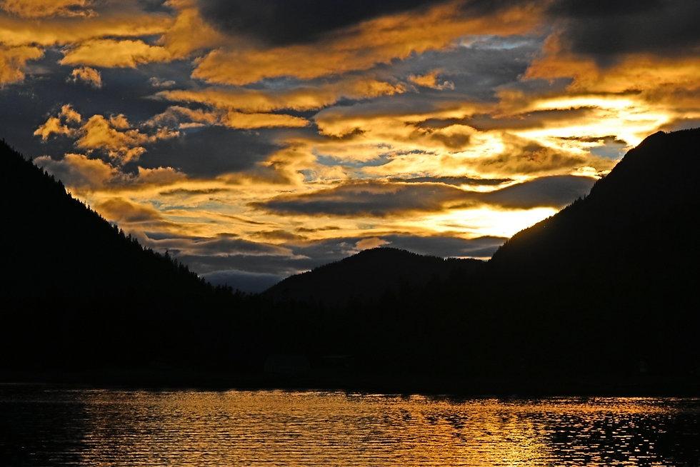 Alaska, Women's Adventure Travels, Karen Loftus, Solo Travel