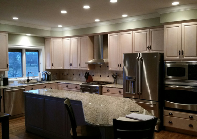 Bay Colony kitchen 'Before'
