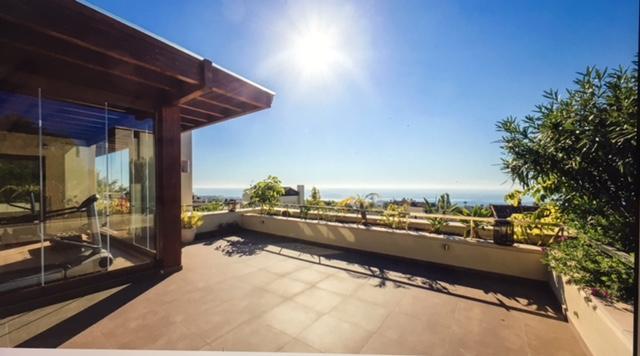 Imara penthouse - solarium and views