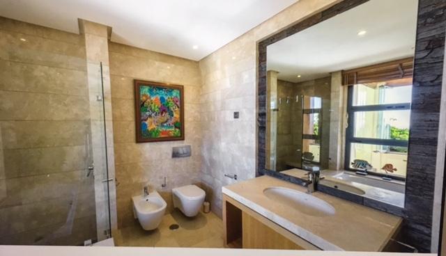 Imara penthouse - bath 2