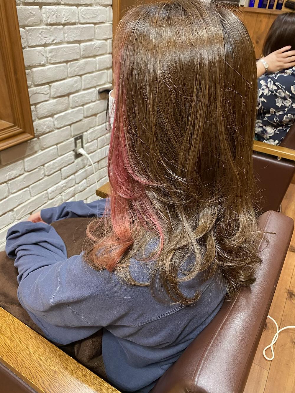 ピンクベージュ カラーヘアスタイル