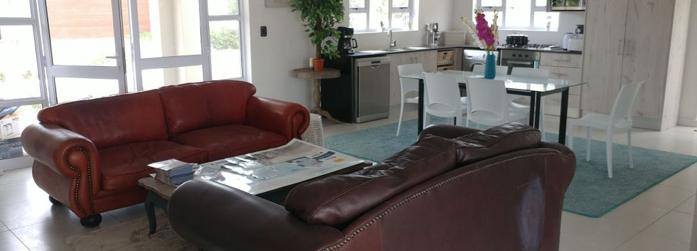 open-plan-lounge-and-kitchen_orig.jpg