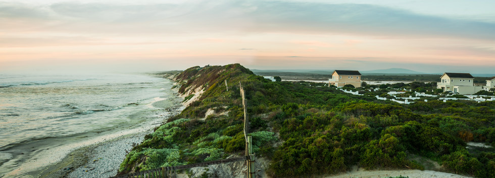 M16 pic sea, beach and houses.jpg