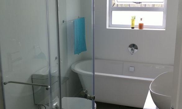 bathroom_orig.jpg