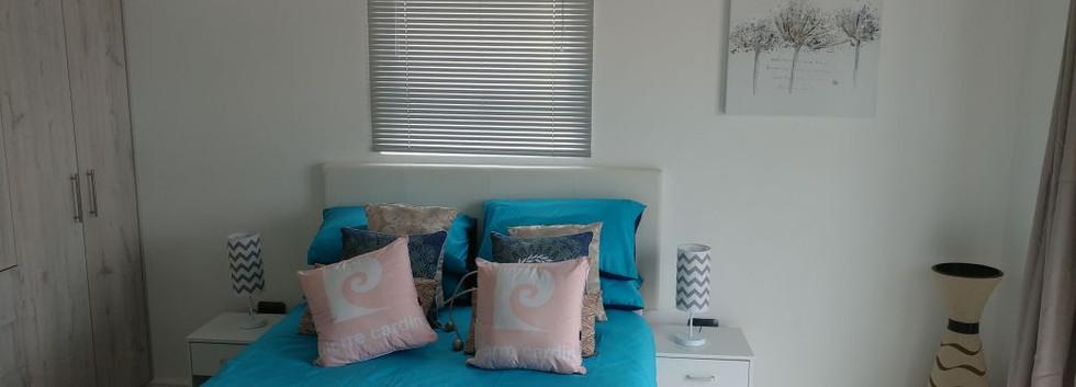bedroom-1_orig.jpg