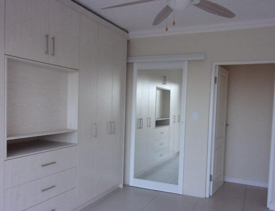 bedroom-with-en-suite_orig.jpg