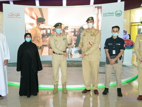 شرطة دبي توثق قصص نجاح وإلهام موظفيها من أصحاب الهمم