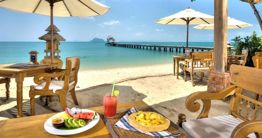 Santhiya Breakfast on the Beach