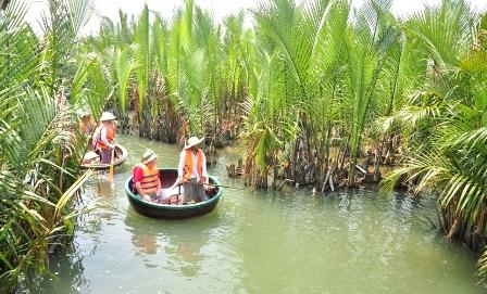 Hoi an bambook basket boat Hoi an