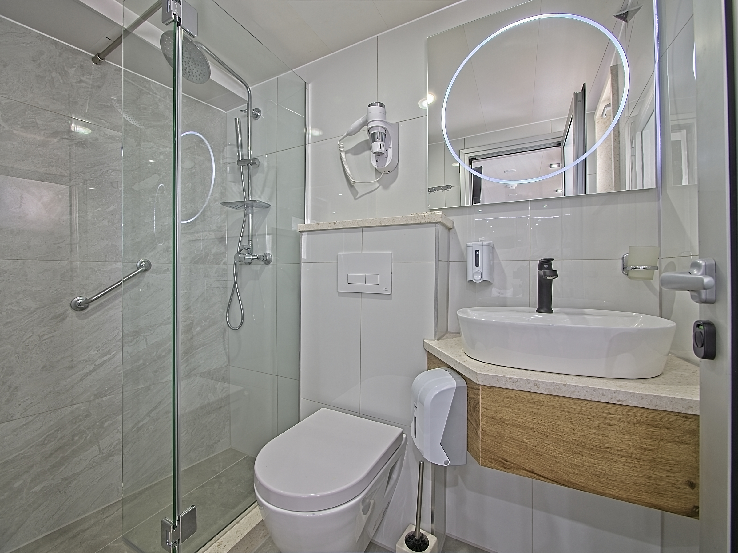 MS Premier Ensuite Bathroom