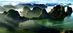 Halong-bay  7 Natural Wonders of the World