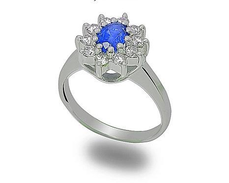 טבעת בזהב לבן משובצת ספיר ויהלומים