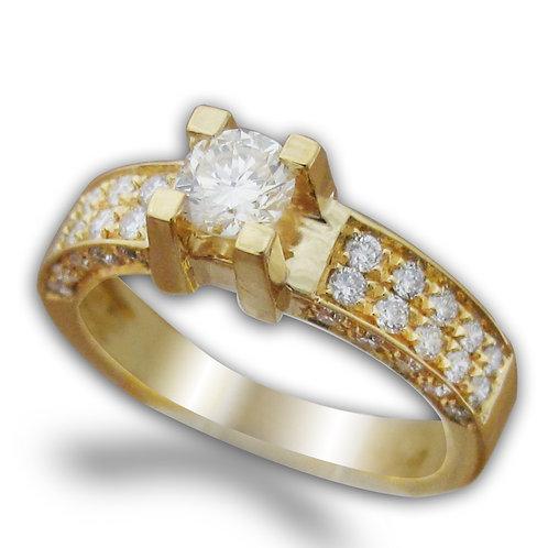 טבעת אירוסין יוקרתית משובצת 1 קרט יהלומים
