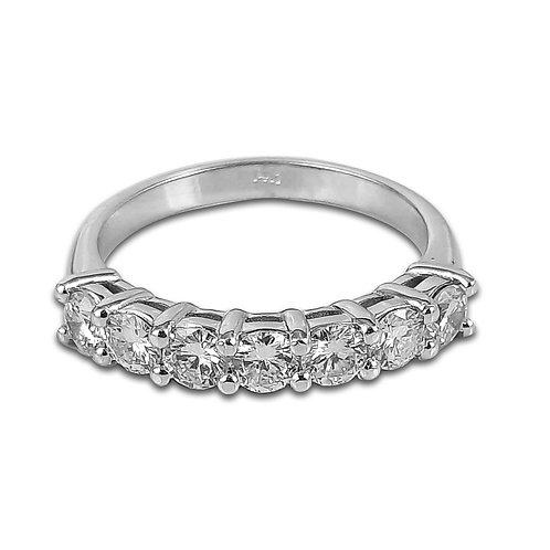 טבעת פס יהלומים בזהב לבן משובצת 1 קראט