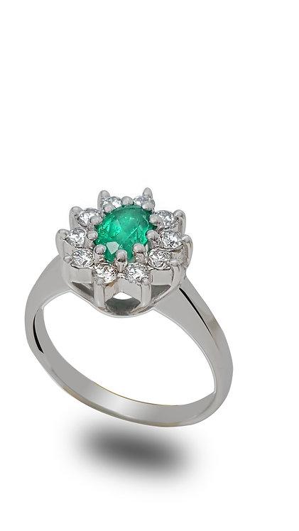 טבעת דיאנה בזהב לבן משובצת אמרלד ויהלומים
