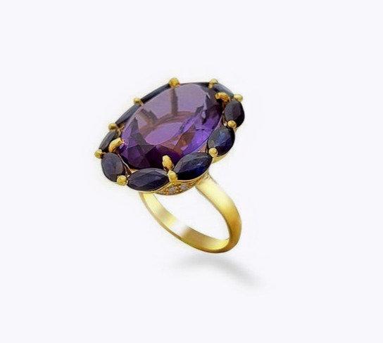 טבעת אמטיסט יוקרתית בשילוב ספירים ויהלומים