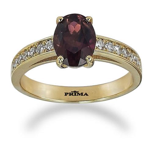 טבעת טורמלין ויהלומי צד בזהב צהוב