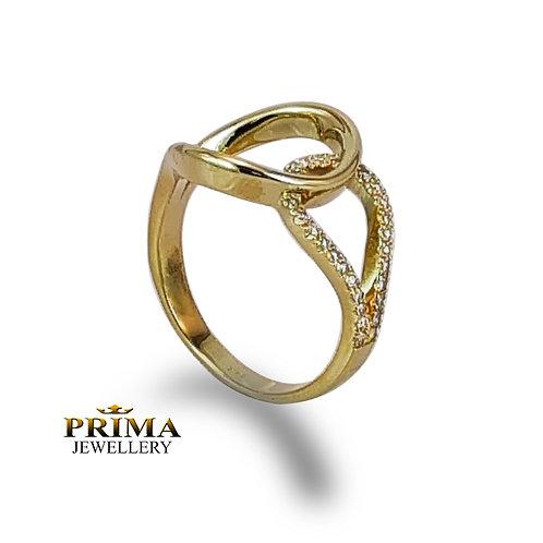 טבעת מעוצבת בזהב צהוב משובצת יהלומים