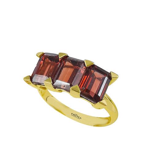 טבעת זהב צהוב לאישה משובצת אבני גרנט