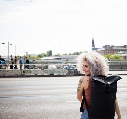 Elli_Outdoorshooting_Berlin_Portrait.jpg