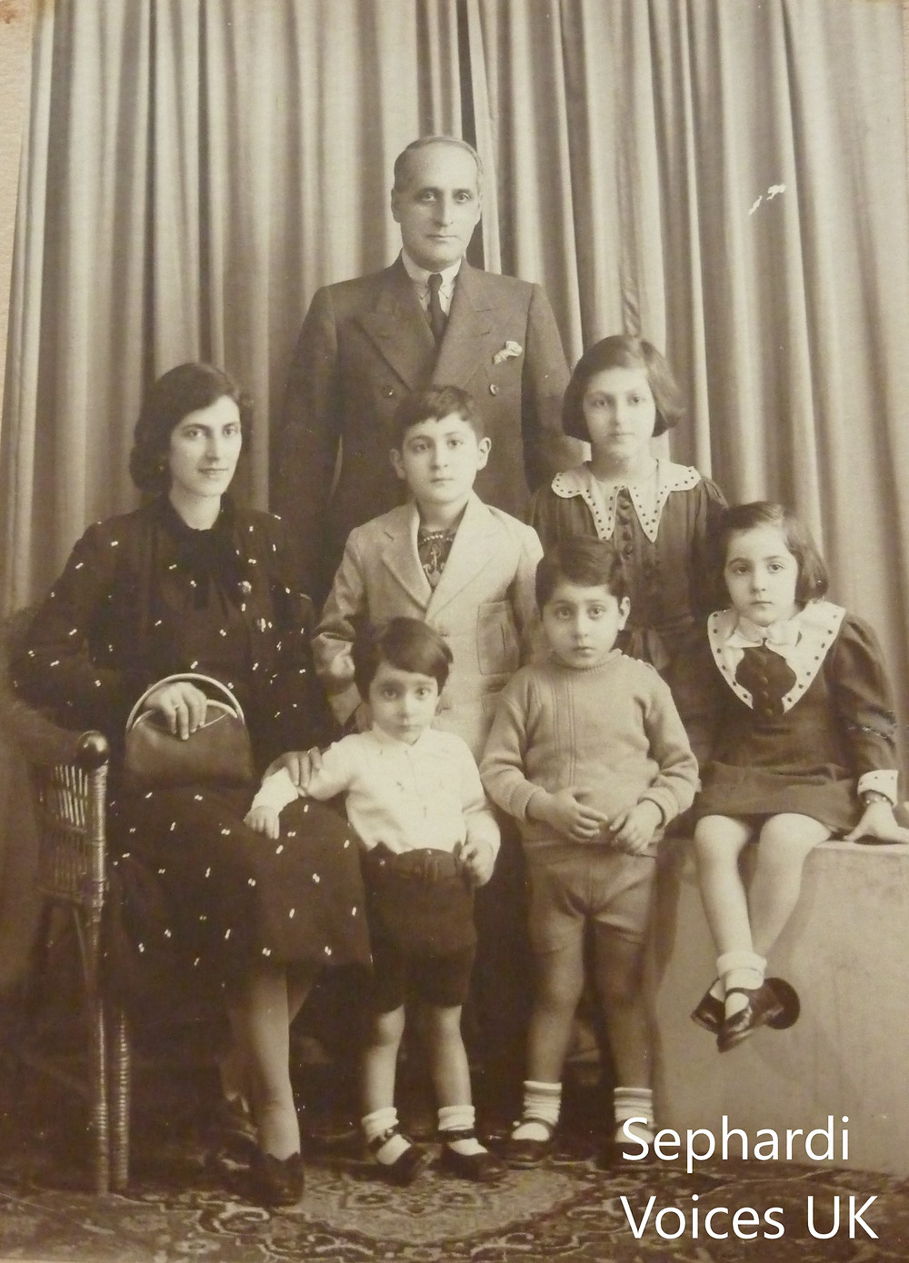 Ivy Shashoua (far right), her parents and siblings