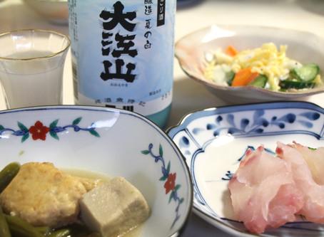 甘い鯛の刺身と「大江山 夏の白」