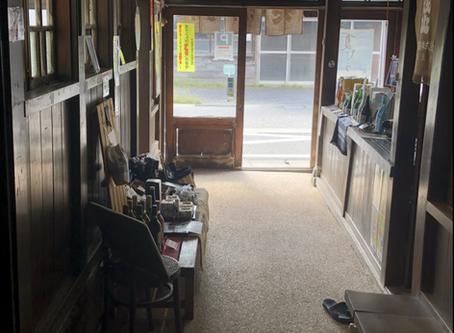 お店の床がリニューアルしました