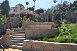 Pavers retaining wall and steps