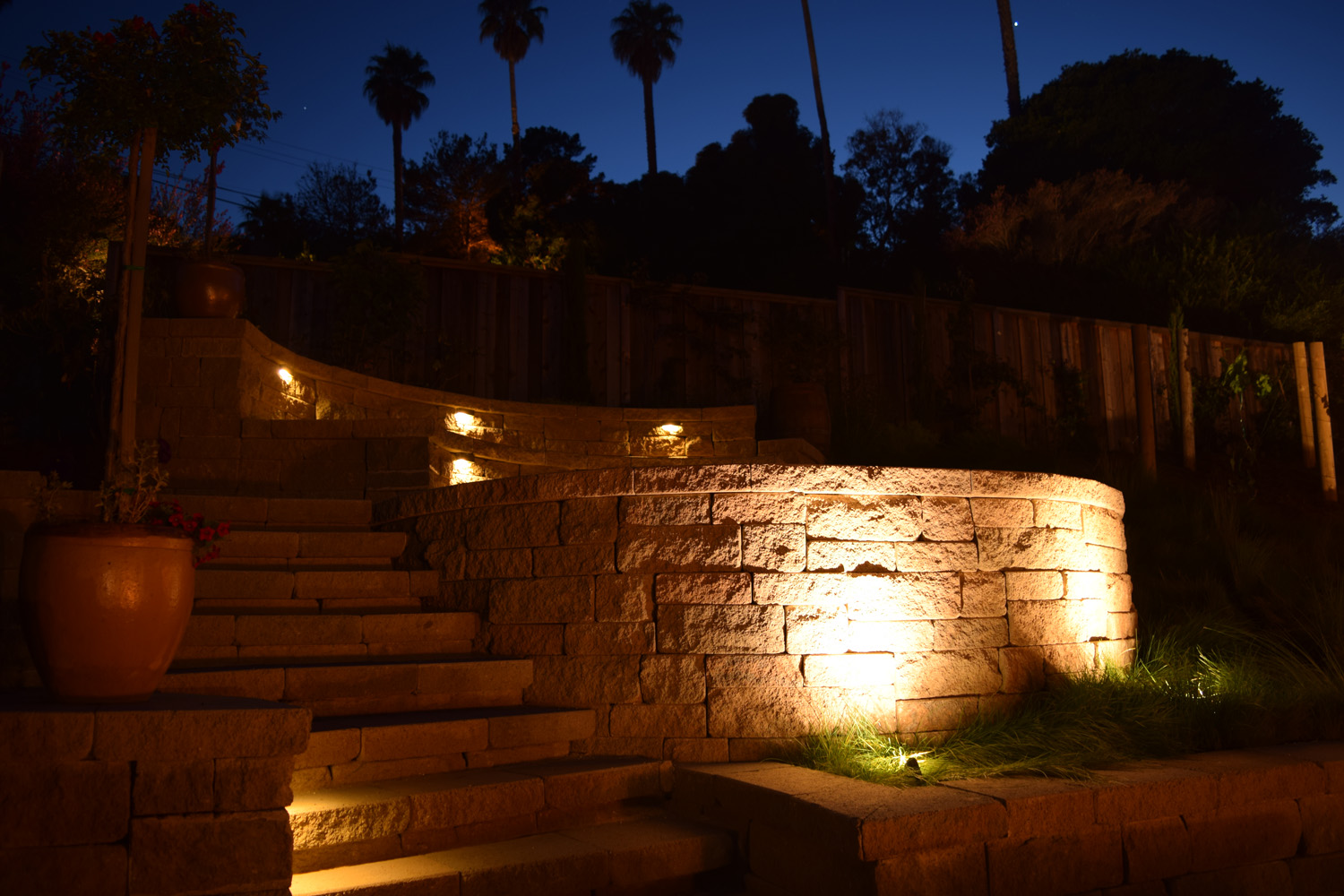 Retaining wall lights