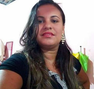 Mulher morre vítima de choque elétrico em carregador de celular, em Santa Cruz