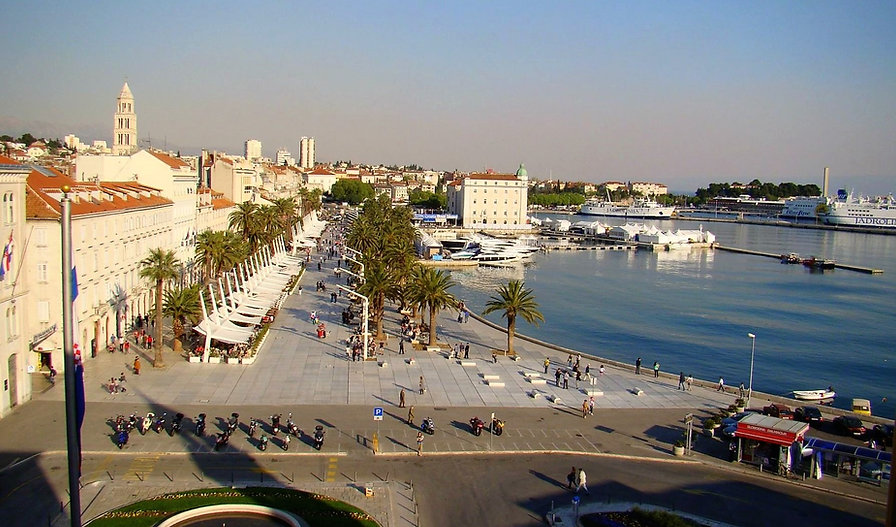 Riva Promenade Split walking tour