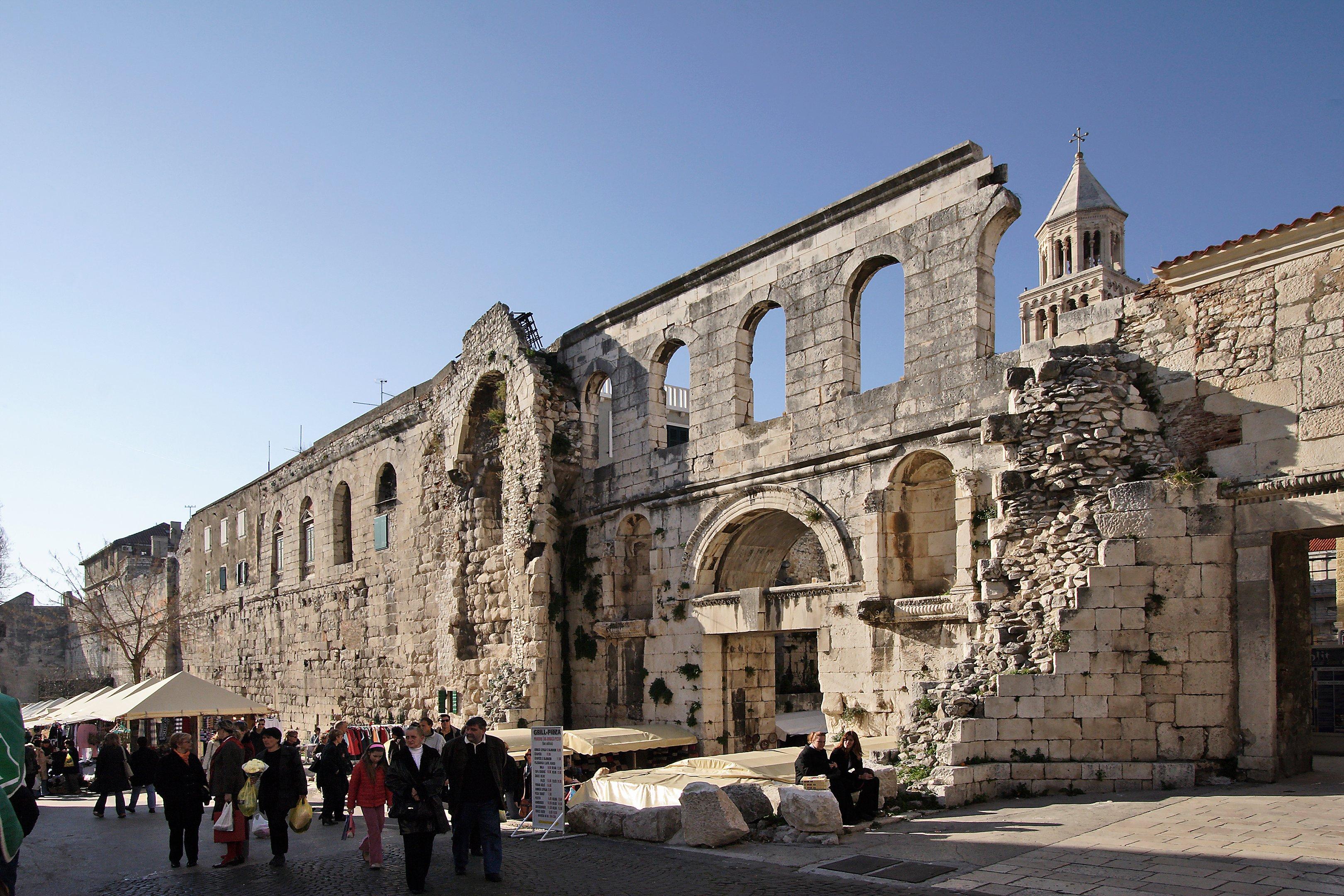 Dicoletian Palace Extended Split Walking Tour (28)