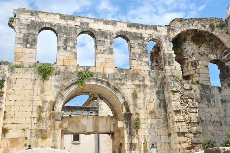 Classic Diocletian palace Split walking tour  (17)