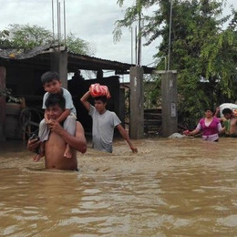 Peru Neighbors Serve Each Other During El Niño Flooding