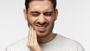 داهمك ألم في الأسنان فجأة، و تعذّر عليك الوصول إلى طبيب الأسنان، ماذا تفعل ؟!