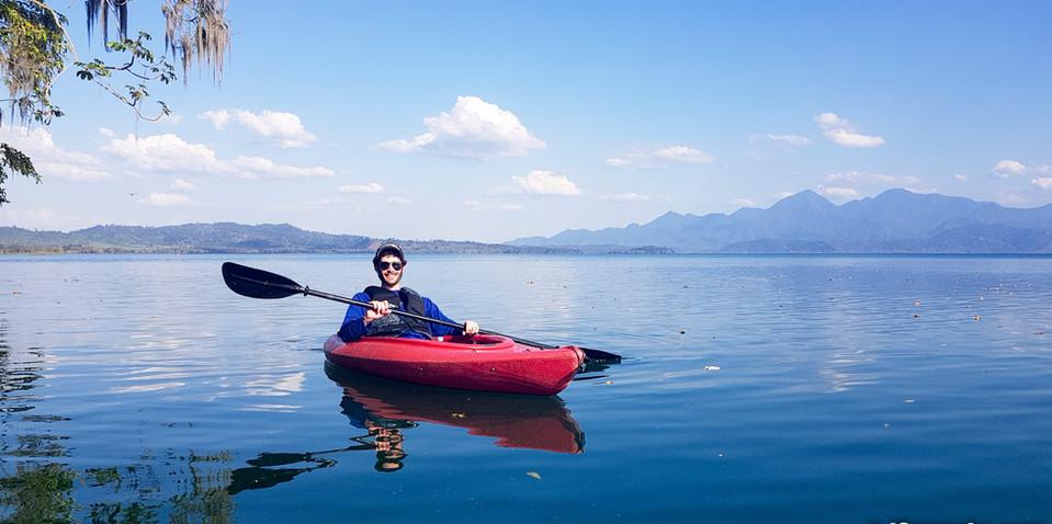 Kayak Yojoa Lake
