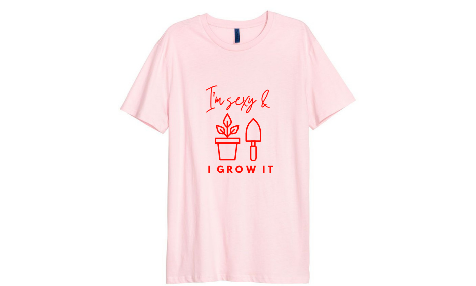 'I'm sexy and I grow it' T-Shirt
