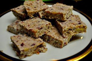 100% Raw Homemade Nutritional Bars