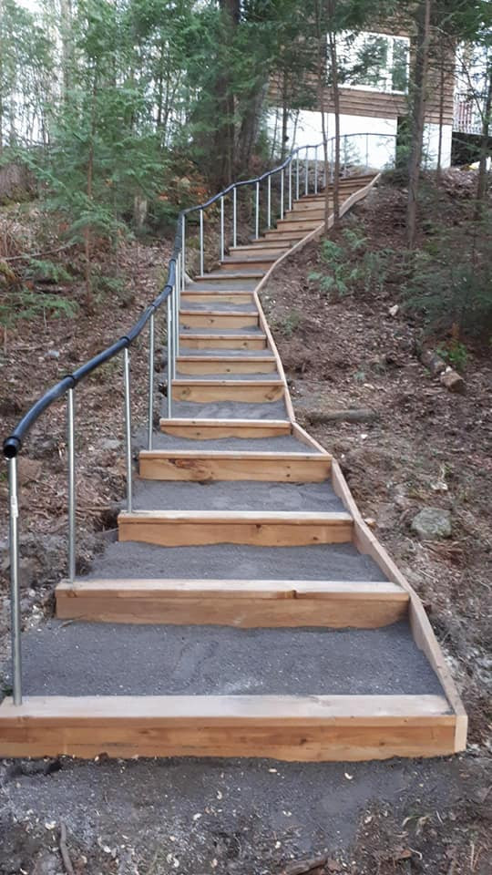 Ford-Landscaped stairs.jpg