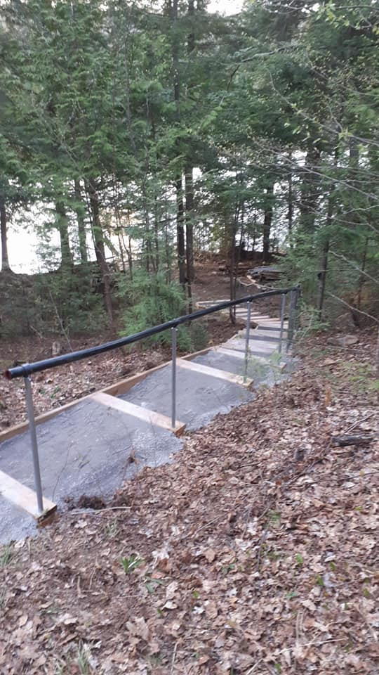 Ford-Landscaped stairs 2.jpg