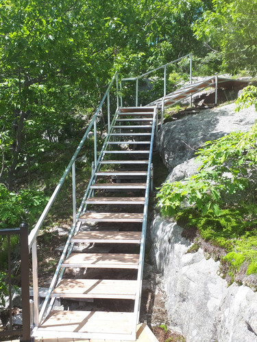 Aluminum stairs 2.jpg