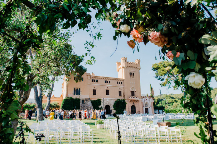 D&T vinyard wedding at Torre del Veguer
