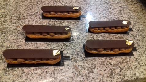Éclair chocolat noir