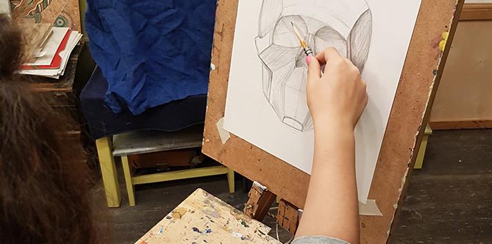 Рисунок карандашом. Череп обобщенных плоскостей.