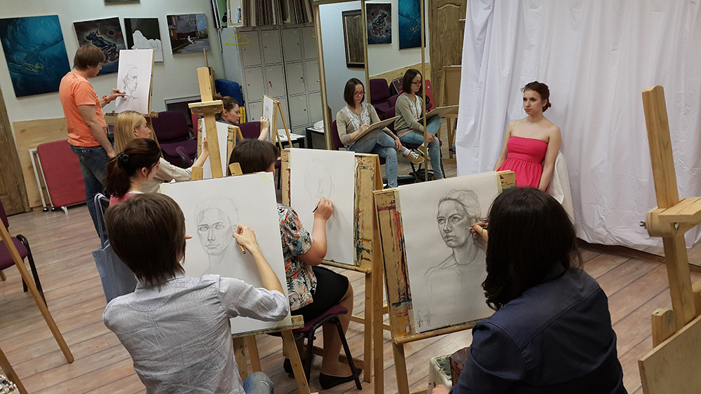 Рисование женской натуры. Портрет