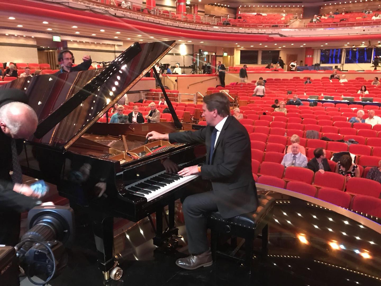 Piano Expert - Piano Tuning concert Staf
